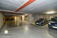 Drieslaapkamer duplex met privé parking