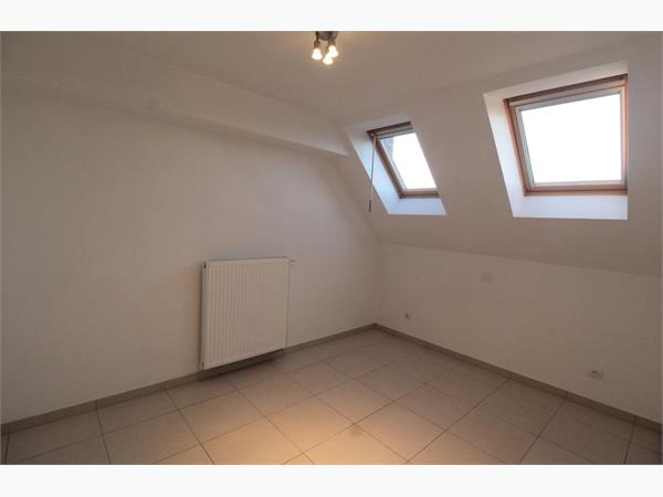 RECENT APPARTEMENT MET LIFT, 2 SLKS, TERRAS EN GARAGEBOX IN CENTRUM IEPER
