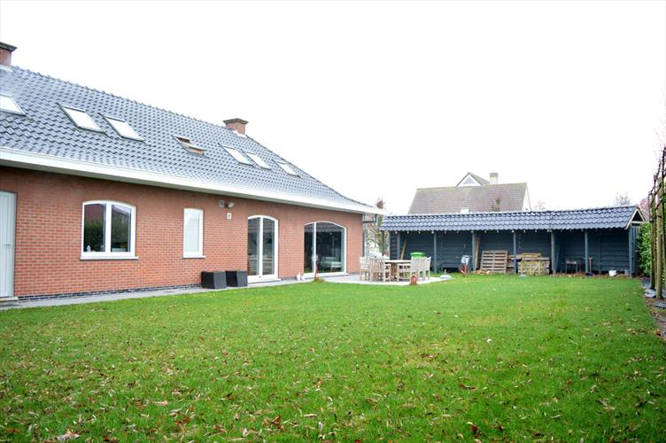Recent gerenoveerde villa in centrum