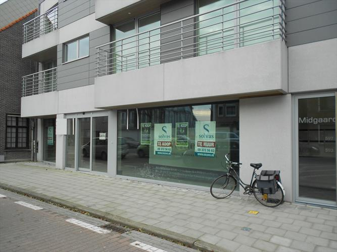 Handelspand - 210m² -  in centrum Waarschoot