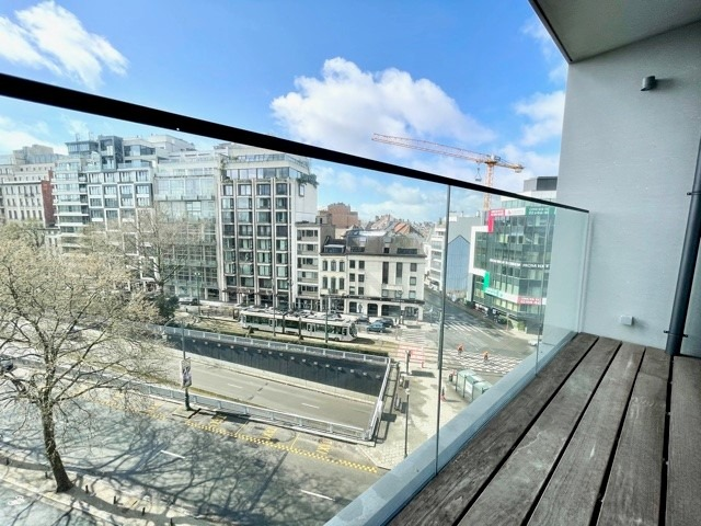 AVENUE LOUISE - Appartement 3 chambres + terrasse