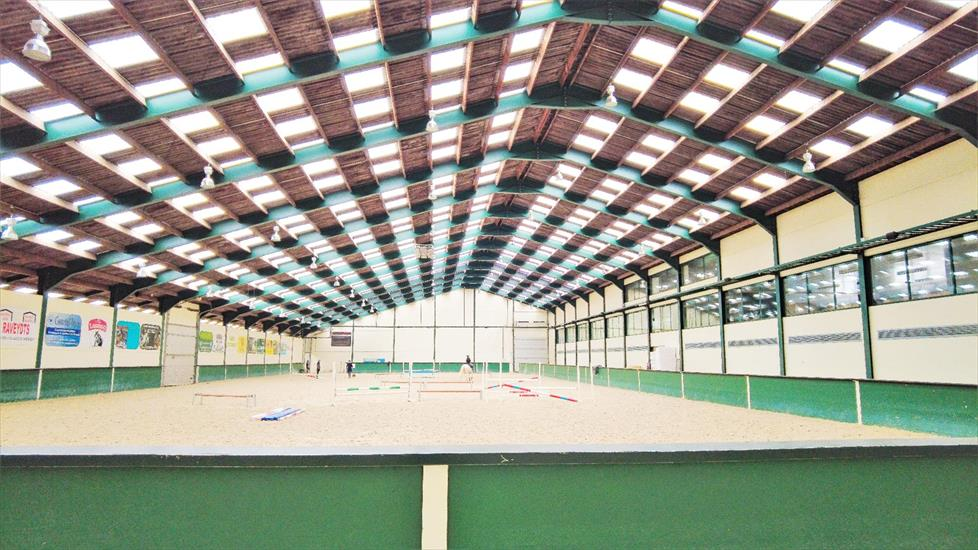 Exclusive professional equestrian center on more than 16ha at Rebecq (Walloon Brabant; Brussels; Belgium)