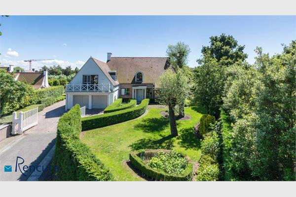 "Quietly situated villa in ""Het Zoute""."