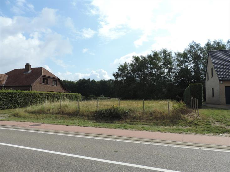 Uniquely situated building plot of 10ares, followed buy approximately 2,2ha of pasture in Lummen