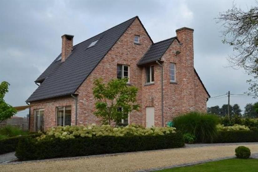 Country house sold in Bassevelde