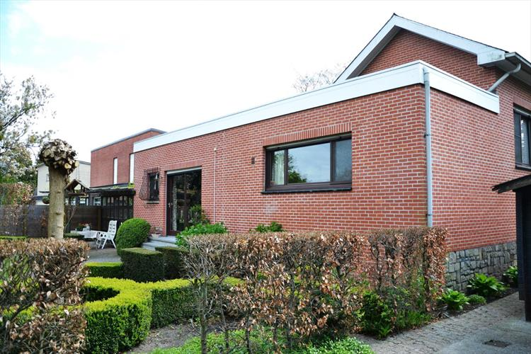 Split level landhuis op toplocatie