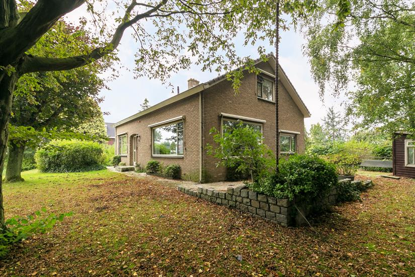 Bungalow te koop in Barendrecht