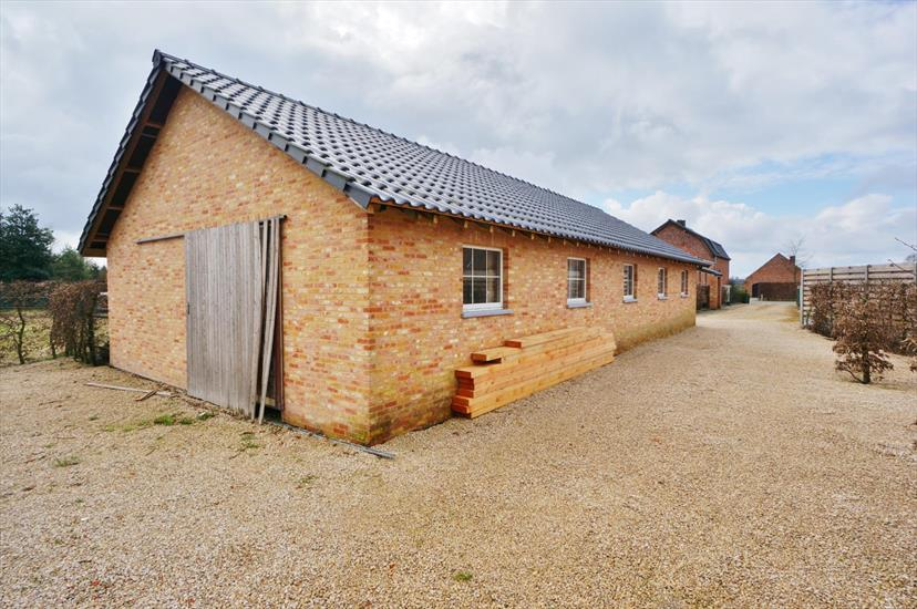 Farm sold in Wortel