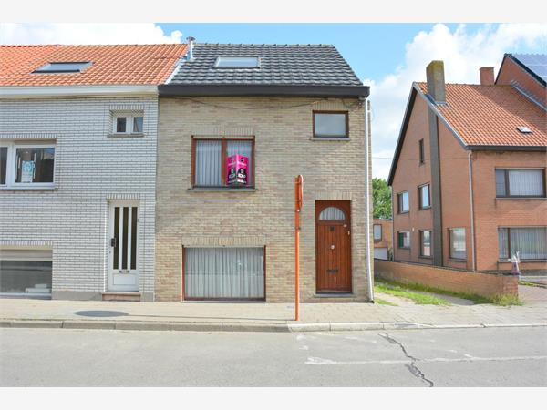 Zonnige charmante half-open woning